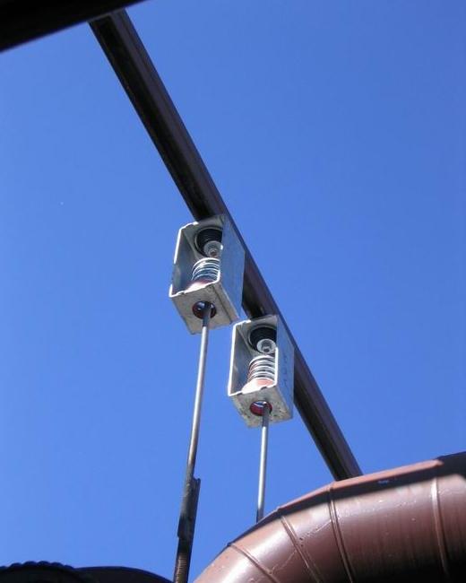 吊式减震器应用.jpg